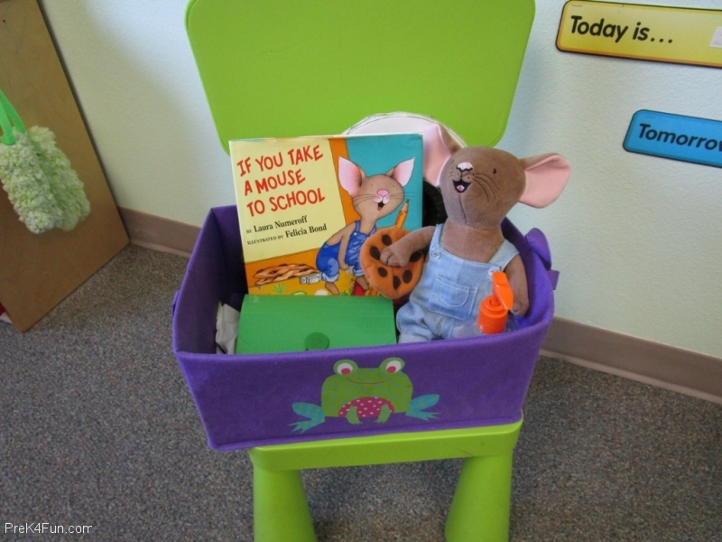 Circle Time Reading Box Preschool Classroom Set up!