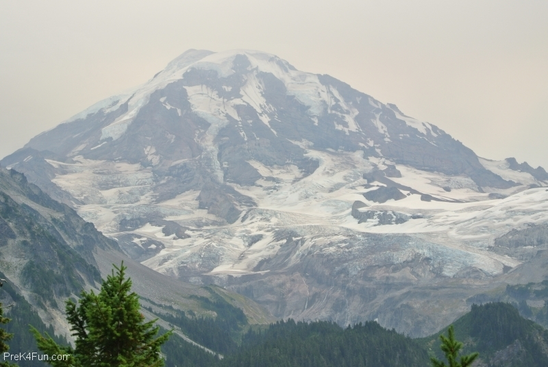 Spray Park Trail Eagles Nest viewMt. Rainier