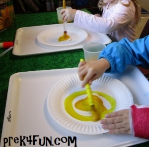 Preschool Paper Plate Sunflower Art fun