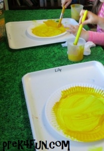 Preschool Paper Plate Sunflower Art fun 1