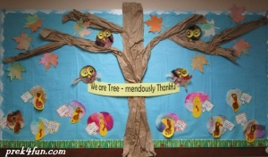 Classroom Thanksgiving board Awesome owl