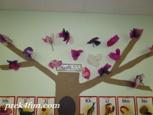 Preschool Classroom Tree spring flower art!