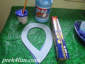 Letter R Preschool Art and Activities window Rain drop supplies needed