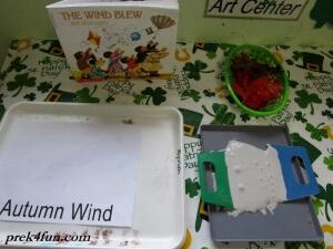 Preschool Book of Seasons autumn wind puffy paint