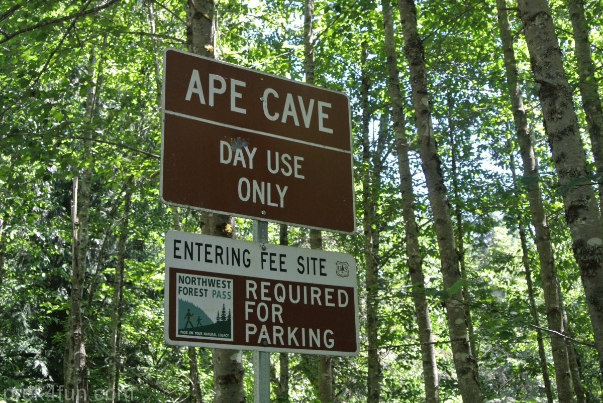 Ape Cave road sign